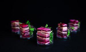Healthy Food - Marbre van rode biet, gerookte kip en eendenborst hapje