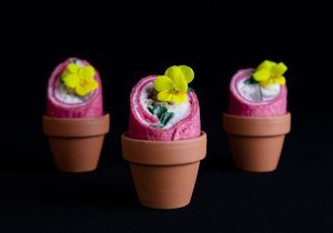 Healthy Food - Mini wrap van makreel, creme-fraiche en bieslook hapje