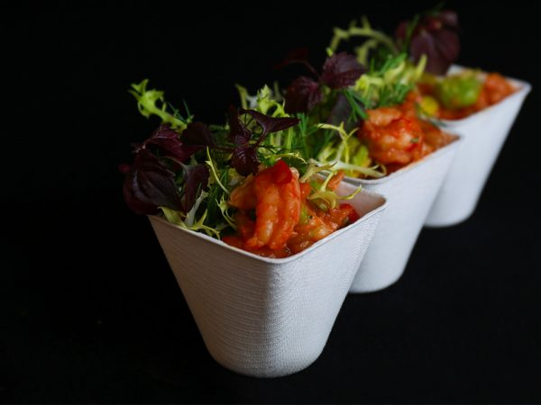 Famous Box - Rivierkreeften staartjes met tomaat en avocado hapje